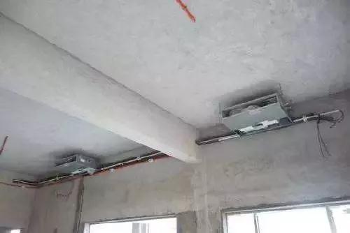 室外机电源线为三相五线制,室内机电源线为单相三线制,室内外机的